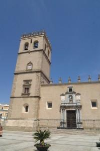 Fachada Catedral de Badajoz (398 x 600)
